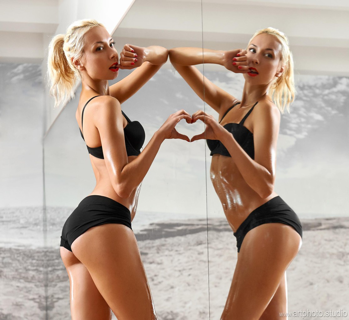 hot blonde muscle babe
